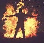 贵州一男子放火烧自家房子,还波及两位邻居!被判三年!