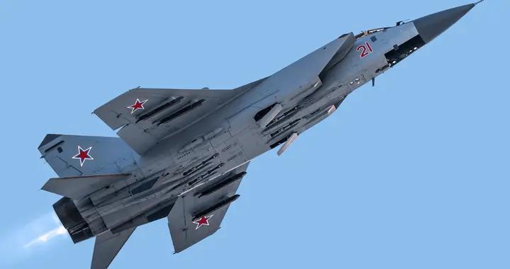 美军P-8A巡逻机从巴伦支海靠近俄边界 俄军米格31出击拦截