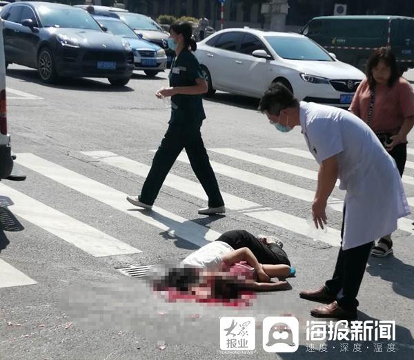 聊城开发区黄山路辽河路路口发生一起车祸  祖孙2人被撞身亡