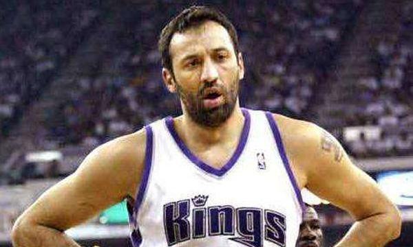 NBA国王队总经理迪瓦茨已经准备宣布从球队辞职
