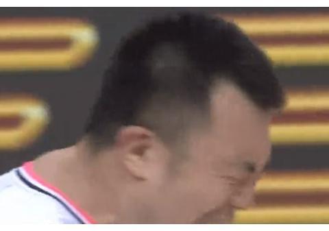 辽宁取胜那一刻,真泪目了!王化东大韩仰天怒吼,谁注意到杨鸣?
