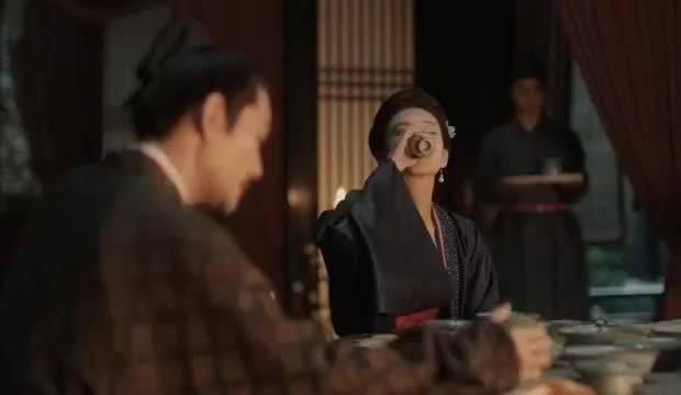 曹丹姝想灌醉自己耍酒疯,赵祯可不敢让她再喝了