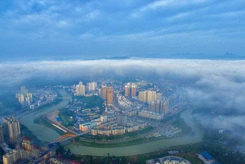 贵州一城市即将腾飞:将成为连接重庆和长沙的高铁中心,景色绝美