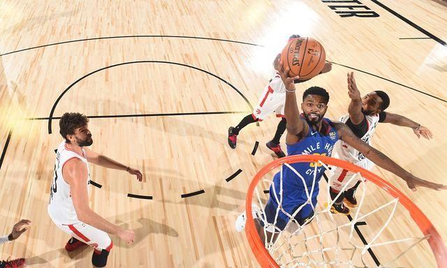 NBA复赛常规赛进入收官日争夺,猛龙以117-109击败掘金,猛龙战绩提升至53胜19负