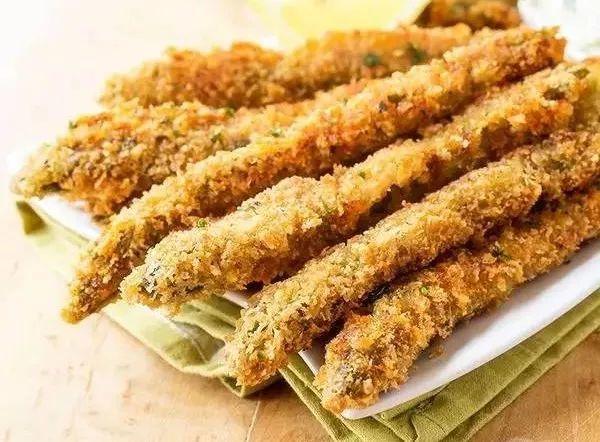 美食精选:脆皮芦笋、水煮鱼、香辣豆干、红薯干