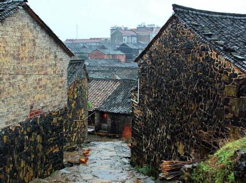 """浙江空中的山村,外形竟像""""燕窝""""?还是《三十而已》的取景地"""