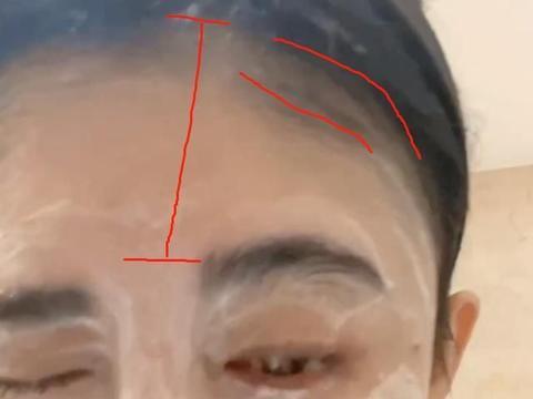 鞠婧祎对准镜头洗脸,真实长相一望而知,我却关注她的发际线