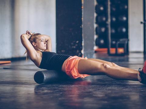 想去健身房锻炼,条件不允许?家庭健身锻炼组合,一步到位