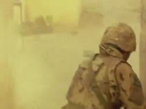 相当震撼的军事大片,美军火拼反抗组织,人性丢失的战争