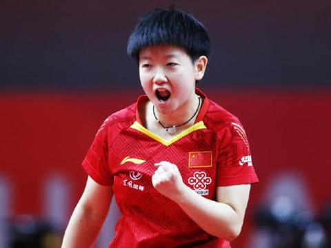 国乒教练吼声震天、不逊色张本智和!指导孙颖莎屡夺冠军证明自己