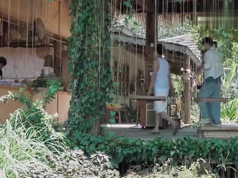 海清为了光明正大的蹭饭,直接跟黄磊住进一个小区,黄磊:真烦!