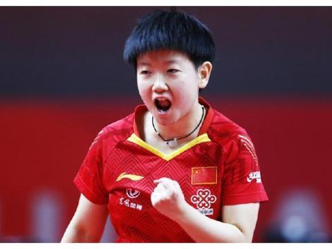孙颖莎教练吼声堪比张本智和!曾被球迷批评,现已逐渐证明自己