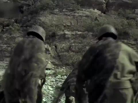 鬼子有大炮助阵,不料小分队爬上悬崖峭壁,端掉敌人炮兵营