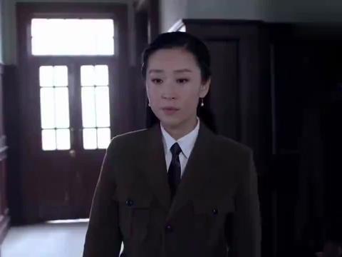 孤战:主任让苗圃担任指纹股社长,可大家反对,毕竟她来历不明