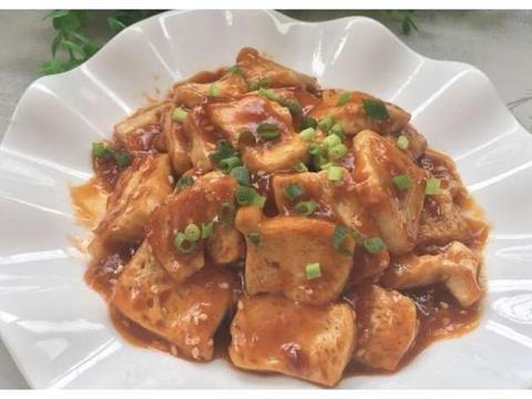 家常食谱:蒜蓉粉丝蒸丝瓜,糖醋豆腐,酱香竹笋,升级版菠萝饭