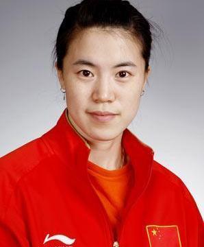 她是乒乓球世界冠军,患癌症后还坚持比赛,嫁给房地产富豪成赢家