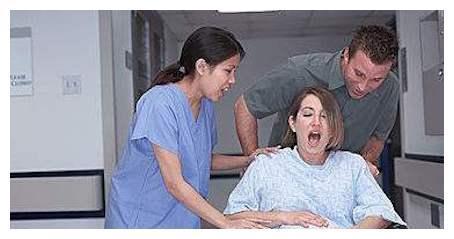 宝妈炫耀超快顺产经历:从阵痛到分娩只用18分钟,医生:别骄傲