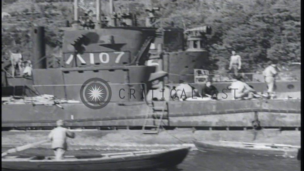 日本投降后,在日本佐世保海湾内俘获了多种日本潜艇