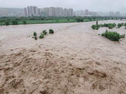 陕西宝鸡:气象台发布暴雨蓝色预警信号,渭河水位持续上涨!