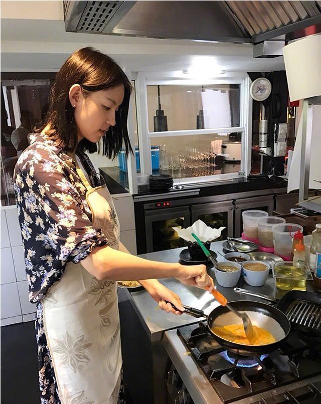 走进艾琳真正的家 厨房设备太专业了 老