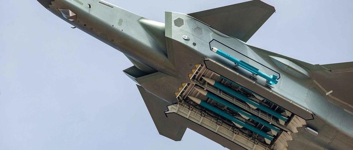 歼-20、F-22、苏-57侧弹舱PK,谁是王者?