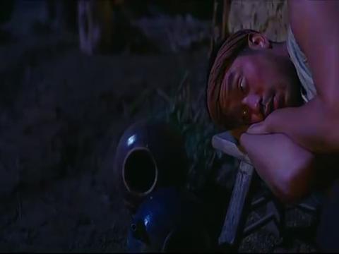 健忘村:男人死相好恐怖,把舒淇吓够呛,村民说他得了鼠疫