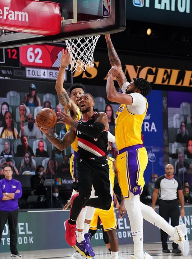 NBA季后赛首轮第二比赛日,开拓者与湖人G1,四节战罢,最终开拓者拒绝逆转以100-93击败湖人
