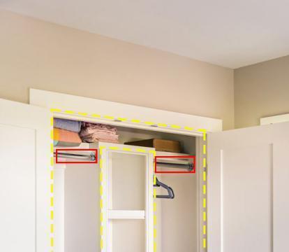 柜子做成内嵌式,横杆代替隔板装两边,柜中柜设计既省地又省事