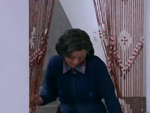 吴翰升和母亲在刘家,等着向丽娟求婚,丽娟却已经结婚?