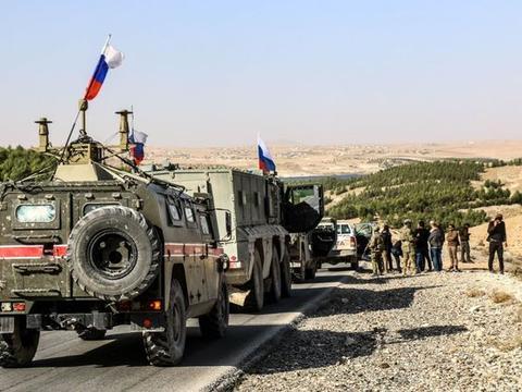 叙利亚再起硝烟,俄军遭遇路边突袭,巡逻车被炸翻,少将不治身亡