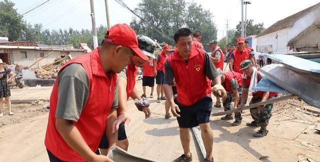 汤头街道逯长沟村:青年志愿者主动担当 冲在抗灾救灾第一线
