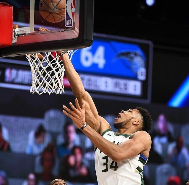 NBA季后赛继续进行,东部一场比赛在雄鹿与魔术之间进行,首战意外输球的雄鹿此役反弹