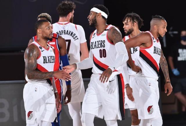 NBA季后赛的比赛正在如火如荼的的打响,在季后赛首轮的对决中,开拓者与湖人的比赛是最受关注的一场比赛