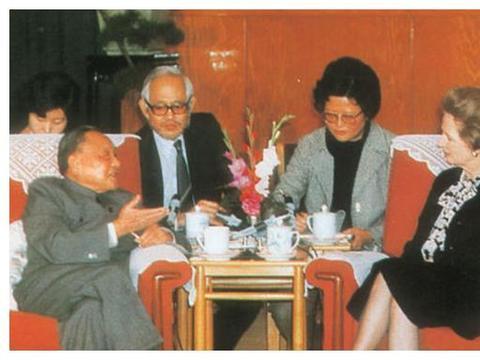 若谈判收不回香港,邓小平决定用武力解决,直言由此人亲自指挥