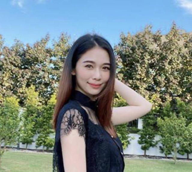 杨秀惠拍片教网上创业,被网友质疑夸张:换个角度炫富
