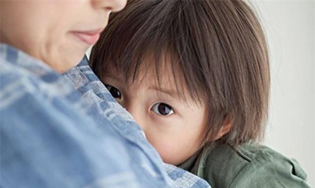 养育儿子的过程中,这几件事只能爸爸做,妈妈尽量不要掺和