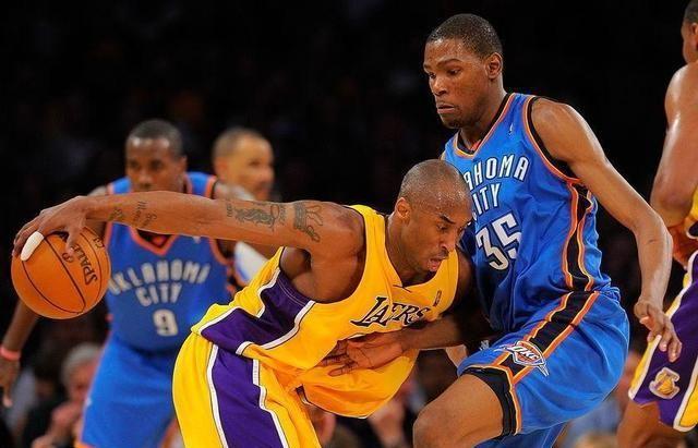NBA季后赛继续进行,穿着纪念科比球衣的湖人与开拓者上演第4回合的对抗