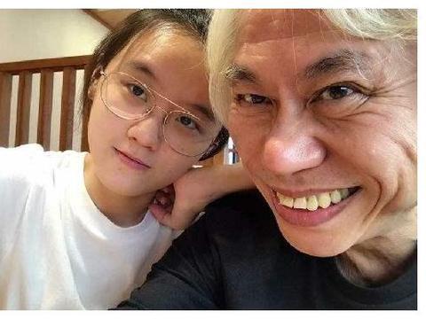七年前,17岁的林靖恩爱上了57岁李坤城:后来她怎么样了?