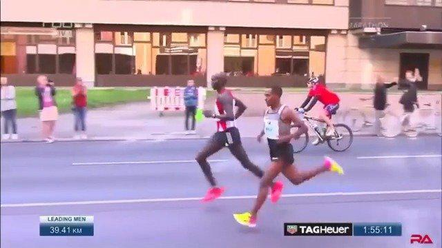 2016柏林马拉松,贝克勒与基普桑的对决……