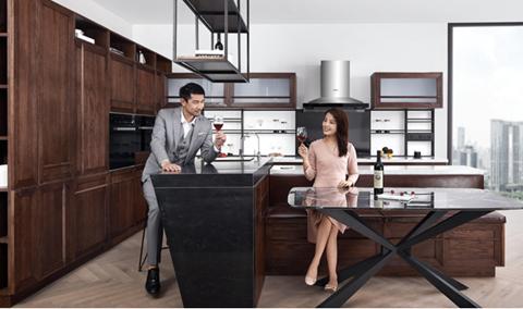 星辰相汇 柏厨新中式实木连理厨房的烹饪智慧