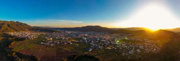 聚焦农村振兴与精准 永胜全球旅游正式启