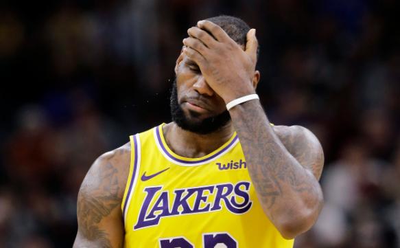 NBA的罢赛闹剧已经落幕了,最终随着詹皇果断转变立场和整个联盟的其他球员逐渐改变了态度