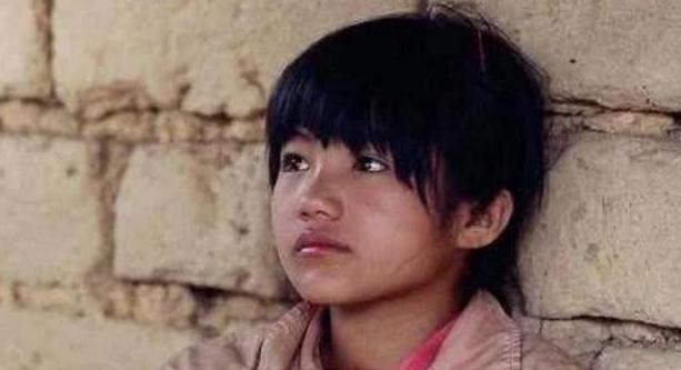 《变形记》农村女孩李勒优长大了,被富妈妈收养5年,过得如何?