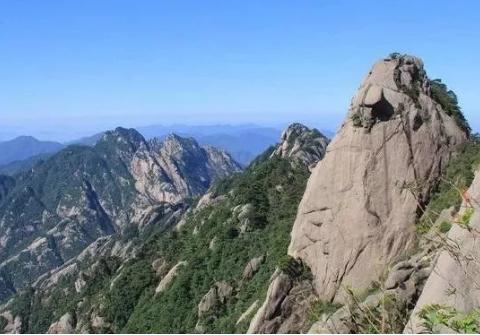 2020想去中国黄山旅游景点:飞来石,天海,西海大峡谷,玉屏