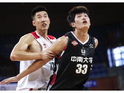 助队杀入决赛,2米1中锋将成选秀热门,和广东男篮擦肩而过