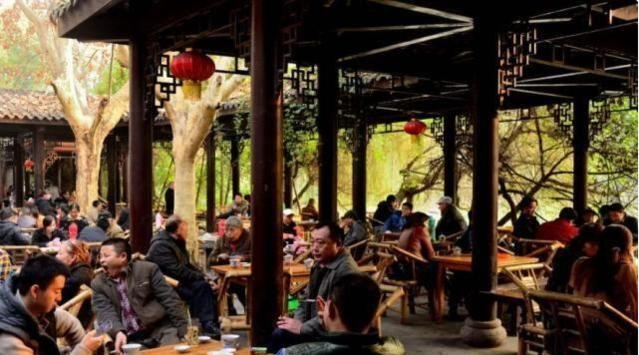 广州gdp排名_重庆经济超过广州,上半年GDP变化,南通成功跻身我国20强