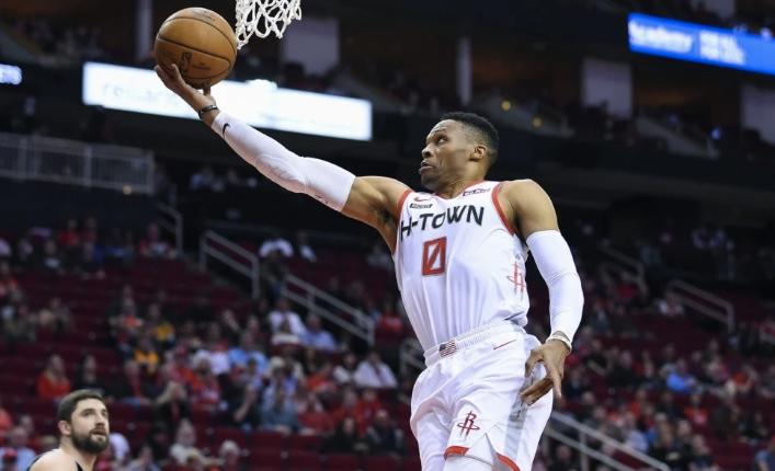 NBA季后赛在跌跌撞撞中,已经来到了半决赛阶段。根据联盟公布的最新赛程