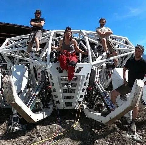 重9000磅,直接用四肢操纵的巨型机械装置,灵活且拥有绝对力量 | 海外黑科技