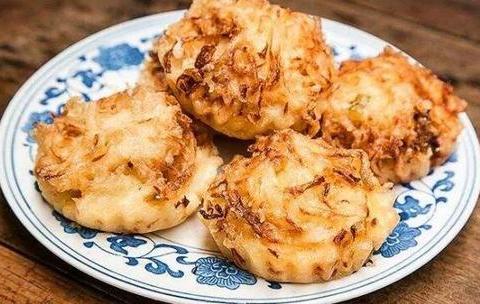 吃货美食:韩国辣鱼汤、豉汁清蒸鲈鱼 、南瓜小炒、香煎萝卜丝饼