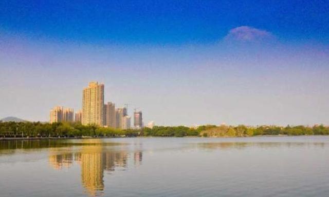 <strong>安徽是最具竞争力的城市 它的人口不如淮南 面积</strong>